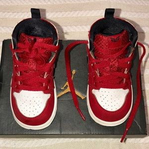 Air Jordan Retro 1 high GO